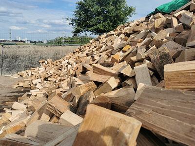 Brennholzlager regional
